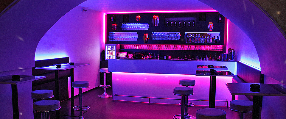 club_halfmoon_new_bar_scg
